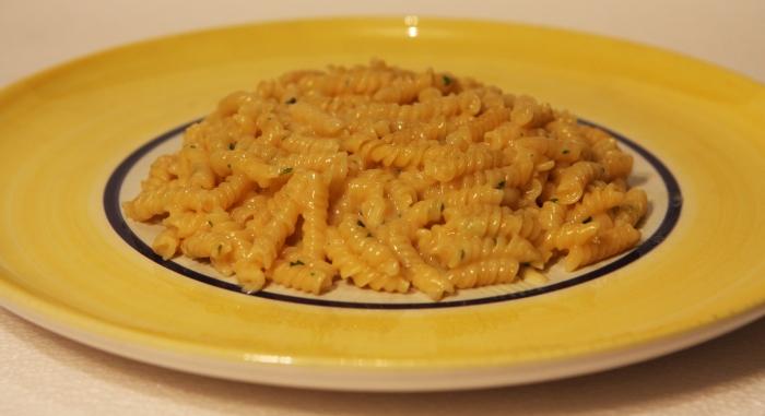 KnorrKnorr Spaghetteria Pasta alla Parmesana Fusilli in Käse Sauce Reality Wirklichkeit