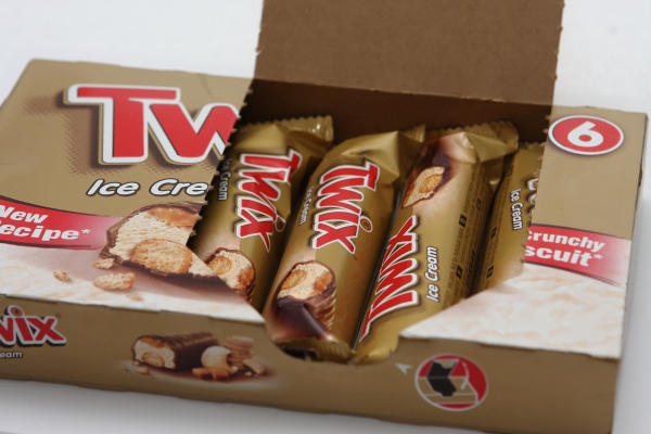 twix ice cream fotos advertisment reality