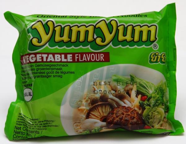 yum-yum-grüne-packung-nudeln-pilze-gemüse-geschmack